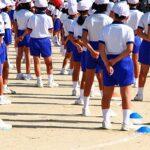 運動会で整列する生徒